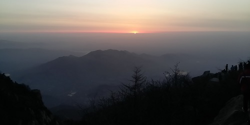Sonnenaufgang in Thai Shan